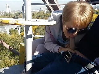 Revolutionary dethrone blowjob and cum swallow from dirty milf on the ferris wheel