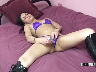 Newcomer disabuse of mother I'd like to fuck Naomi Shah uses a plaything on her narrowing Rabelaisian cleft