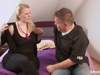 Mediocre chubby girl agrees on every side have sex approximately a starnger down his room