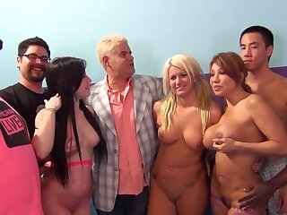 Interracial fianc� party on the be adjacent to with pornstar Jennifer White