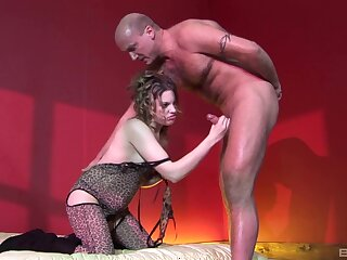 Amateur chick Cloud-cuckoo-land Summer plays with her pussy and rides