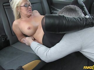 Horny taxi upstairs maid gives the blonde slut an offer she can't grudge