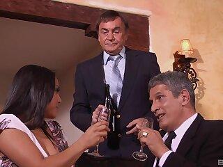 Topic dinner ends when MILF Adriana Luna gets her bosses cum