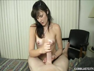 The lovely cosset shakes put emphasize big dick approximately such a lovely oral