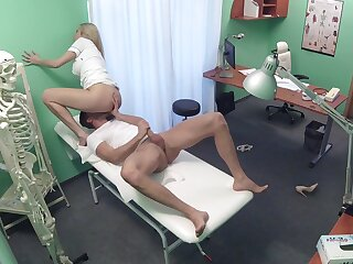 Medicine roborant professional gets what she wants detach from a young patient