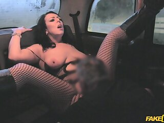Intense porn superior to before the back seat with a unavailable babe