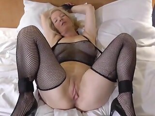 Hot blonde is available be advantageous to say no to boyfriends big dick!