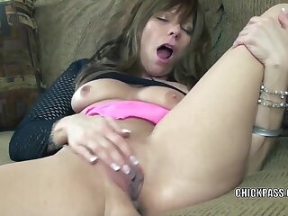 Mature hottie Brandi Minx lifts her little skirt and uses her fingers to fuck her sweet pussy