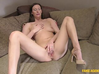 Big ass wife gets the taste of dick in a home hardcore
