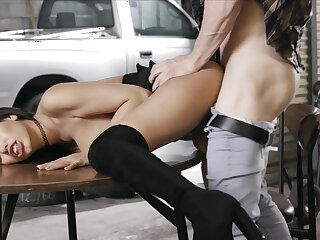 Big-breasted Gia Milana lets a lover put her body to the test