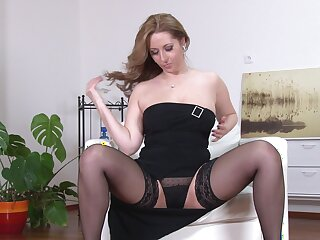Busty model Daria Glower moans while fingering her wet pussy