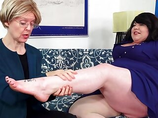 Fat Bella Bendz Strapon Anal With Granny