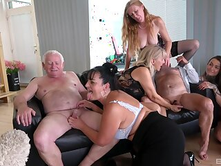 Wild group sex with mature sluts Daphne Klyde and Nicole Love