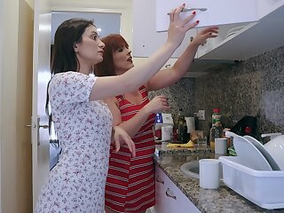 Spanish mature woman Montse Swinger strapon fucks Hungarian chick Valentina Bianco