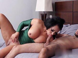 Mature Big Arse Latina Mom Gets Ass Fucking Creampie