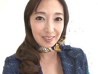Mature pornstar Otowa Ayako loves optimistic her pussy and interior