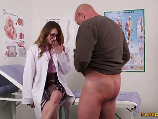 Womanlike nurses share load of shit in the richest intimate CFNM threesome
