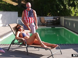 Jaw dropping cougar with fit body Richelle Ryan is fucked overwrought bald headed man